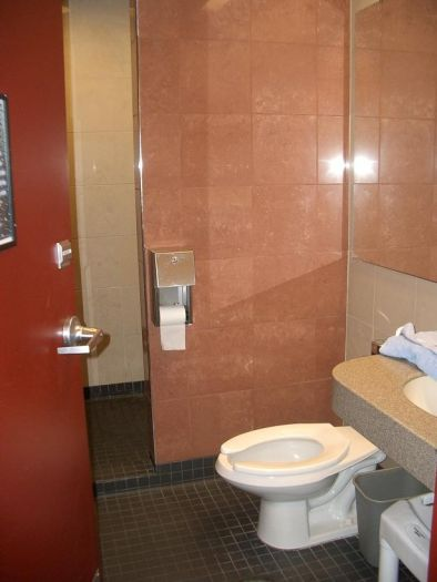 what do the truckstop showers look like trucking blogs. Black Bedroom Furniture Sets. Home Design Ideas