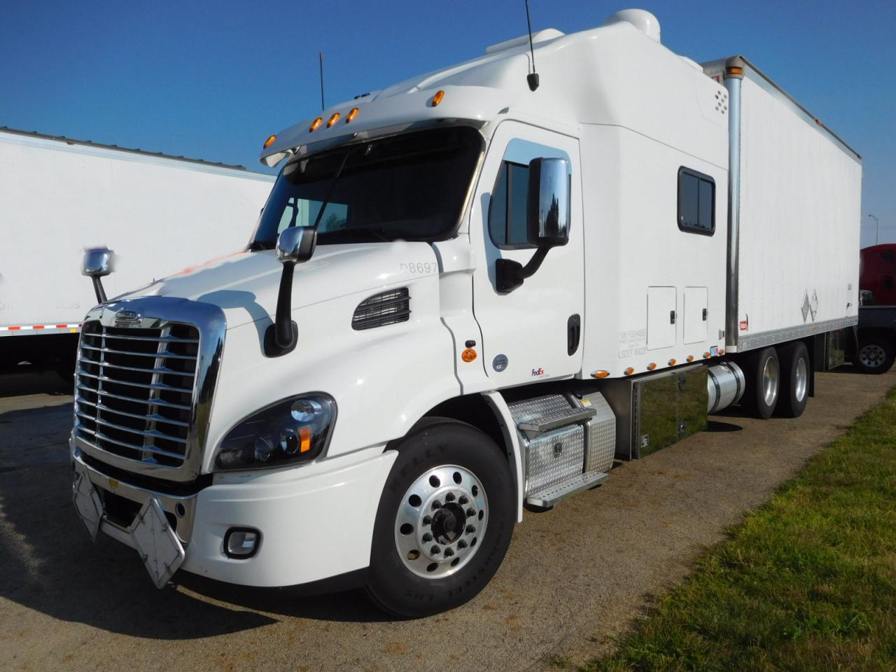 Used 2015 Freightliner Cascadia 113 Reefer 100 Quot Aa Luxury
